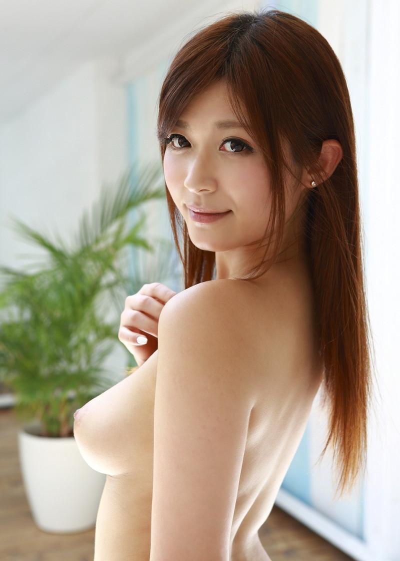 横乳がエロいさとう遥希さん!