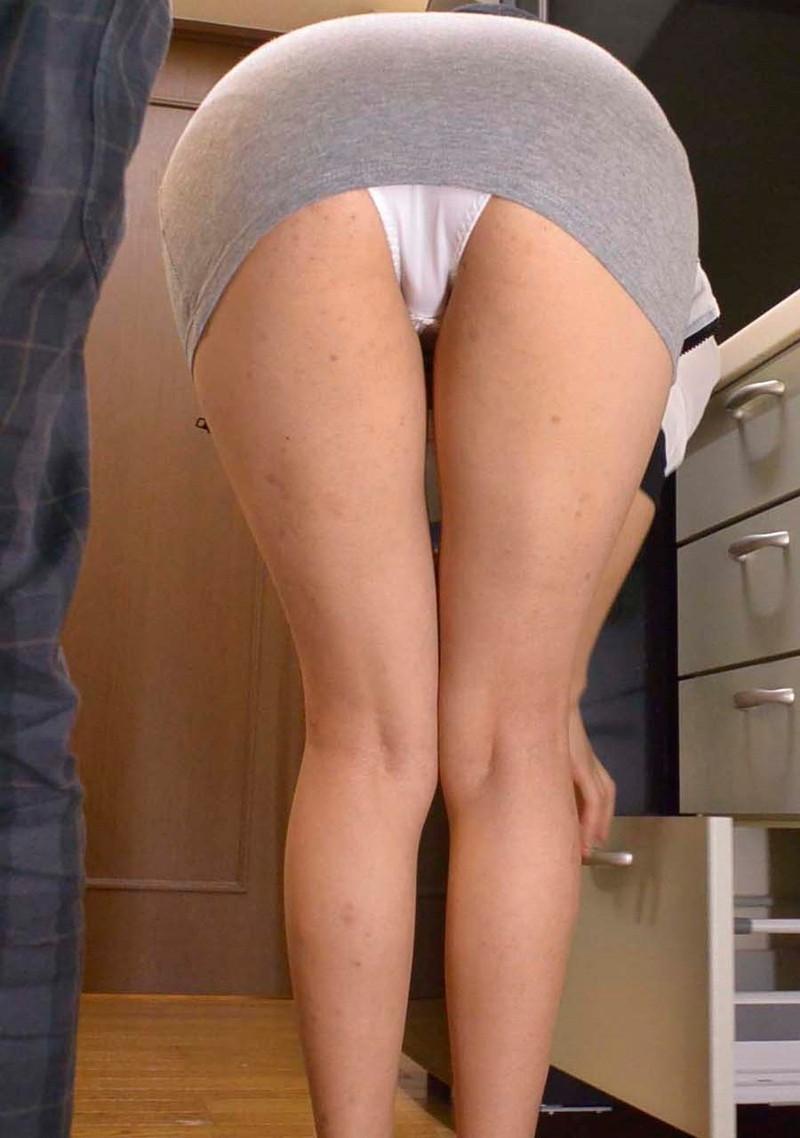スカートがミニすぎて…