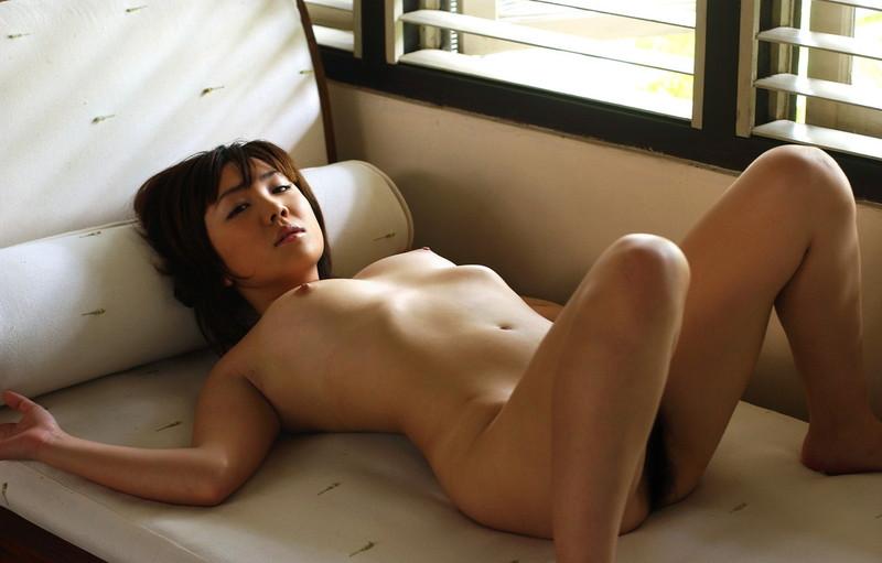 お姉さんの全裸姿がそそられる!