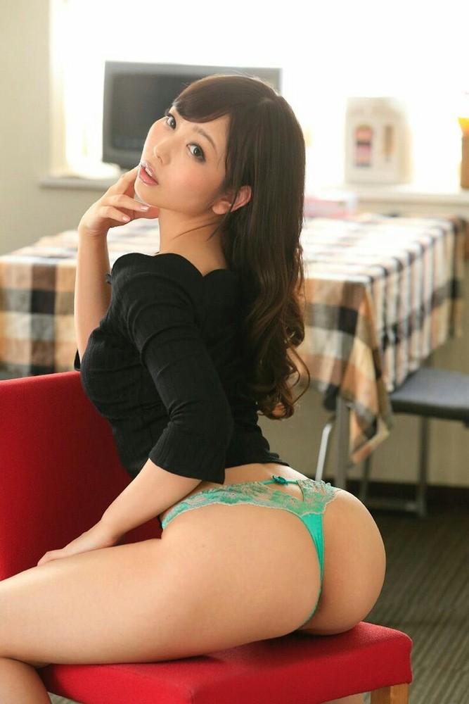 美尻が素敵な美女!