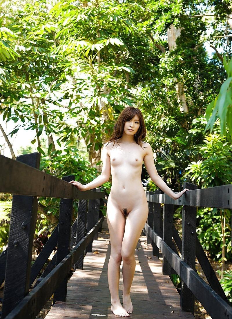 野外での全裸姿にメロメロ!