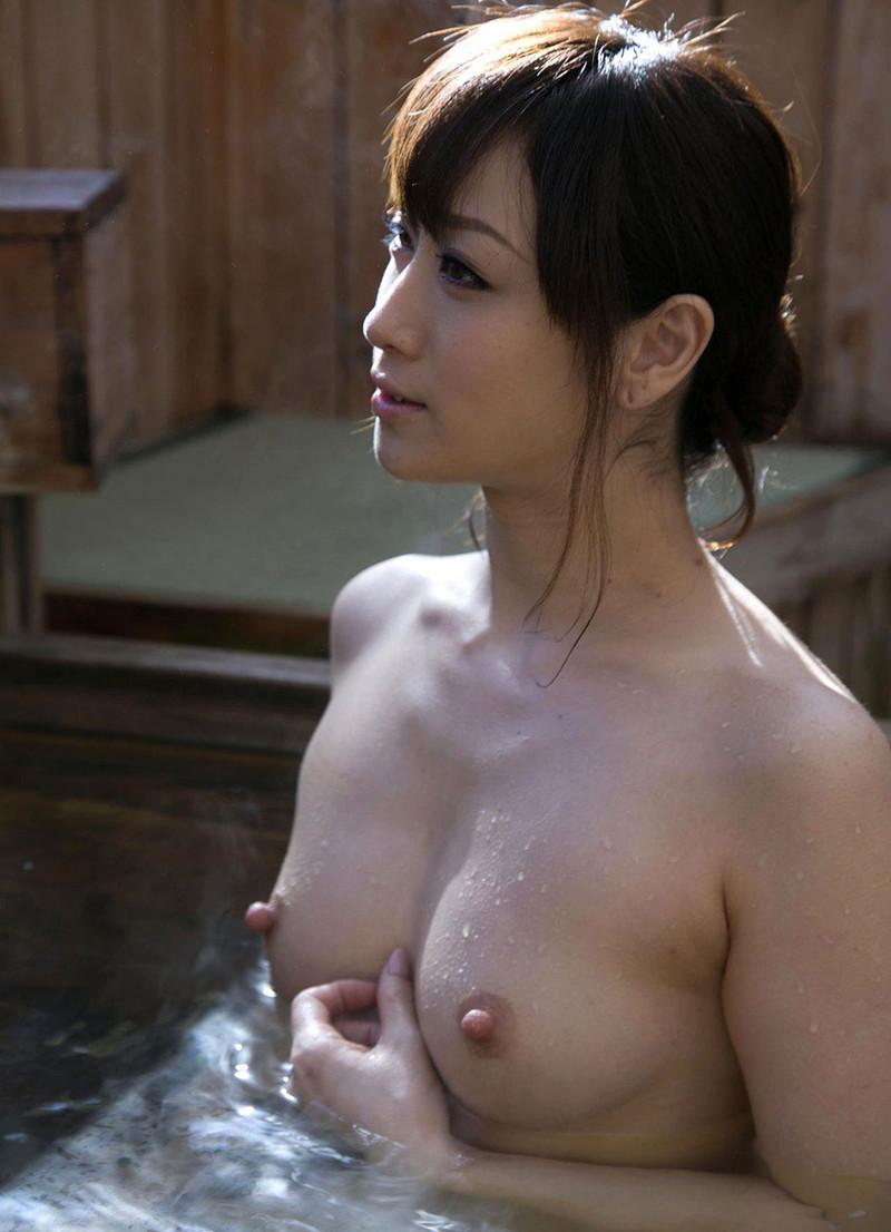 美熟女の温泉!
