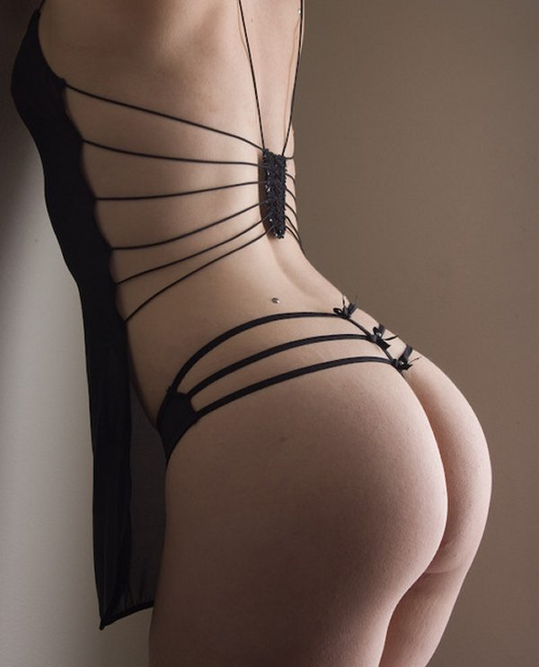 美尻の曲線美がたまらない!