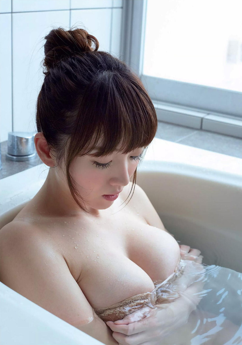 入浴しながら手ブラ!