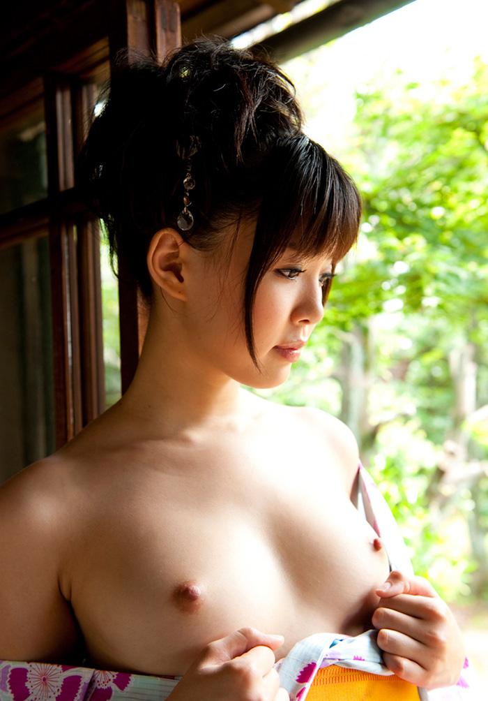 貧乳が綺麗な和服美女!