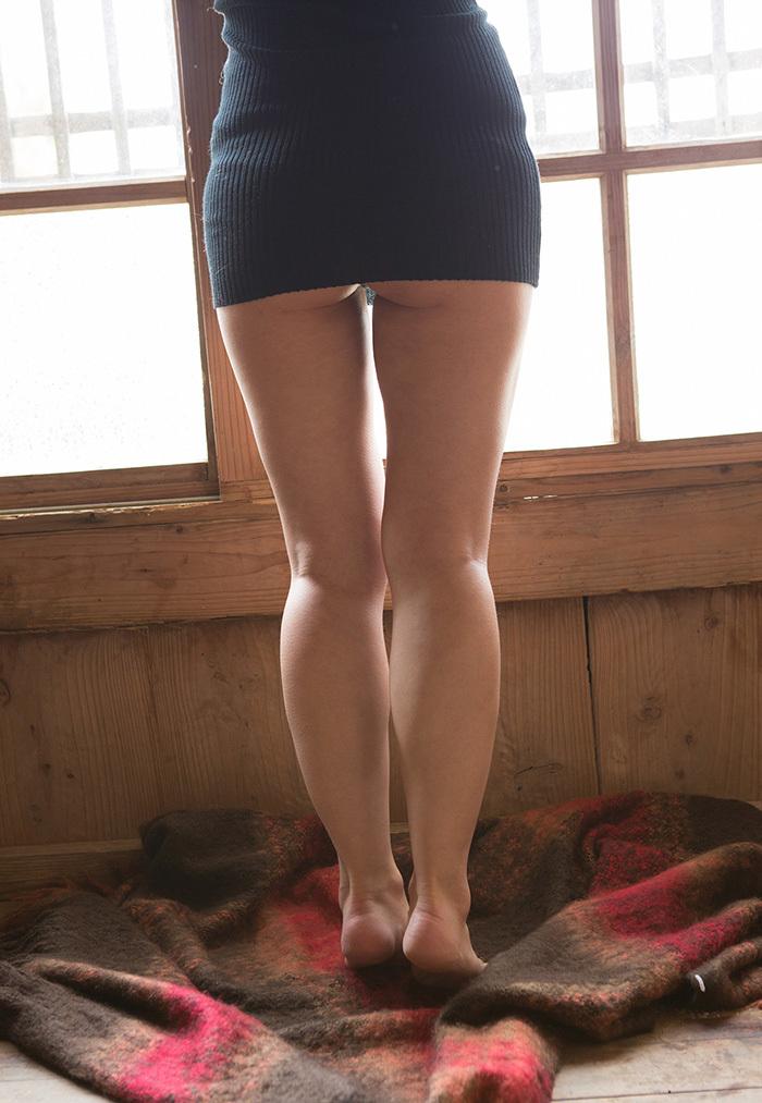 ハミ尻がエロいミニスカート!