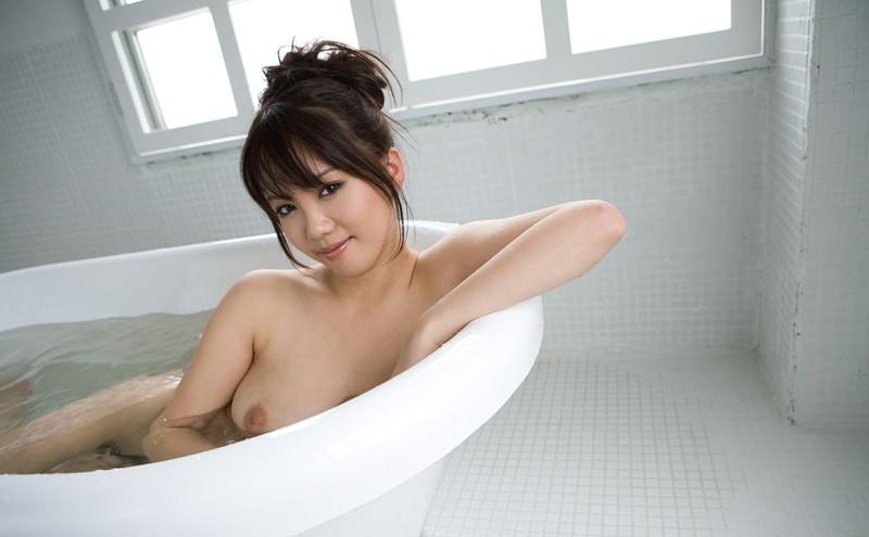 入浴中の美女がエロい!