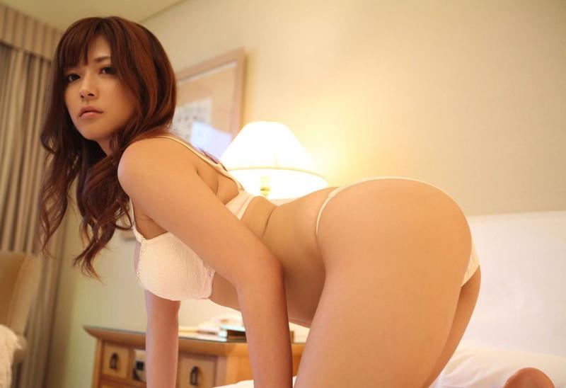 さとう遥希さんの美尻にドキドキ!
