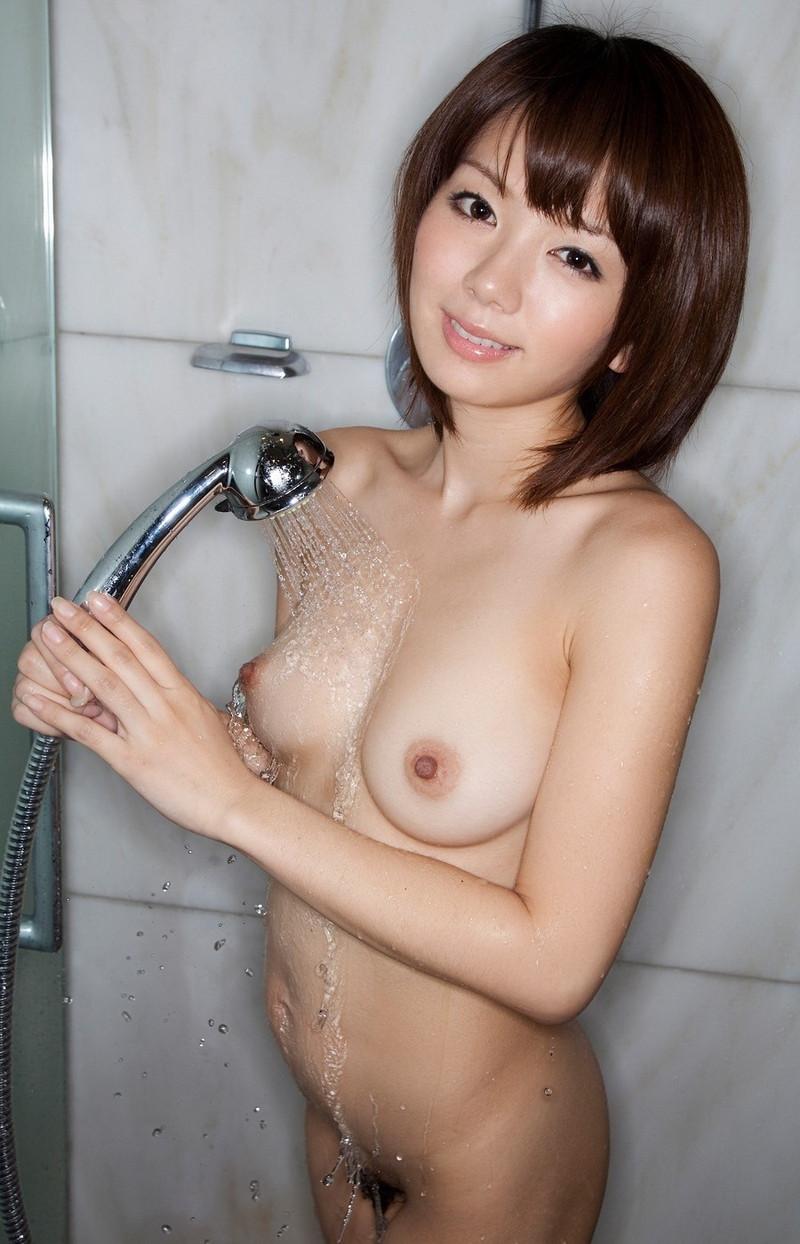 シャワー中の美女!