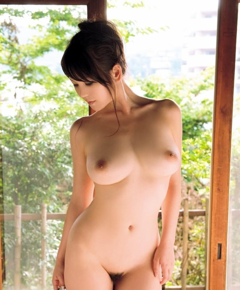 全裸の美女がセクシーだ!