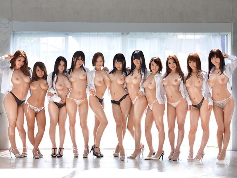 白シャツがエロい美女達がおっぱい丸見え状態で大集合!