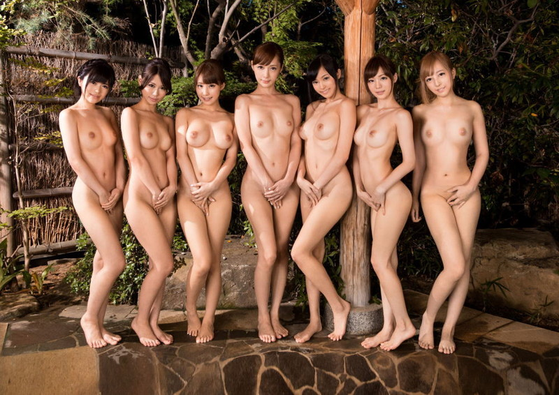 温泉で全裸の美女が大集合!