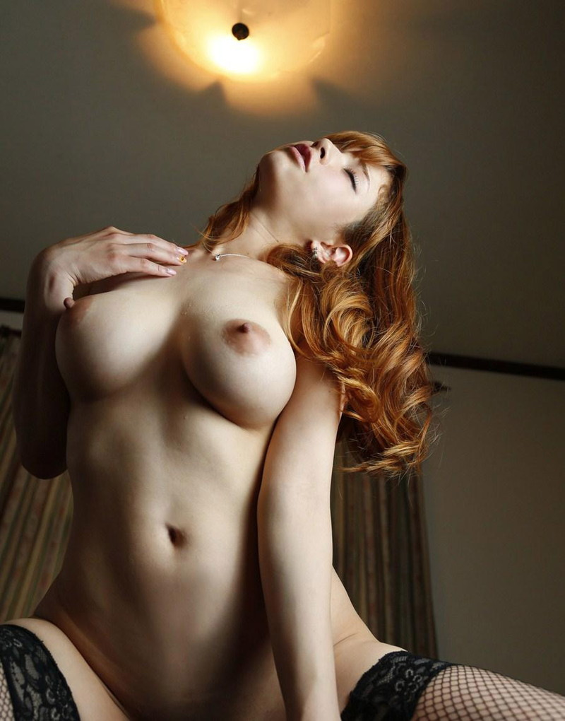 金髪美女との全裸セックス!