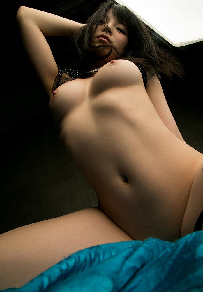 美女の裸にウットリ!