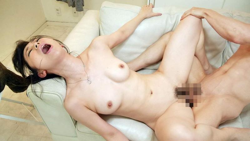 イキ顔エロい全裸セックス!