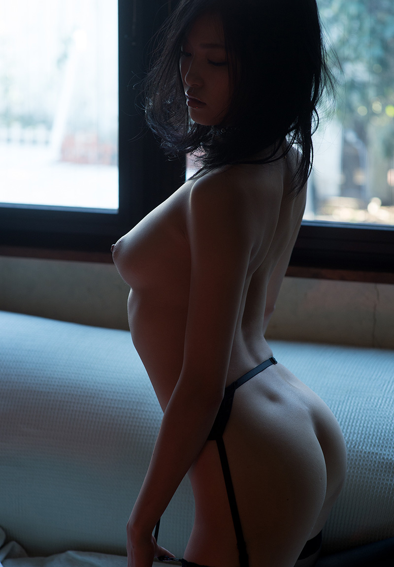 セクシーな曲線美に魅せられる!