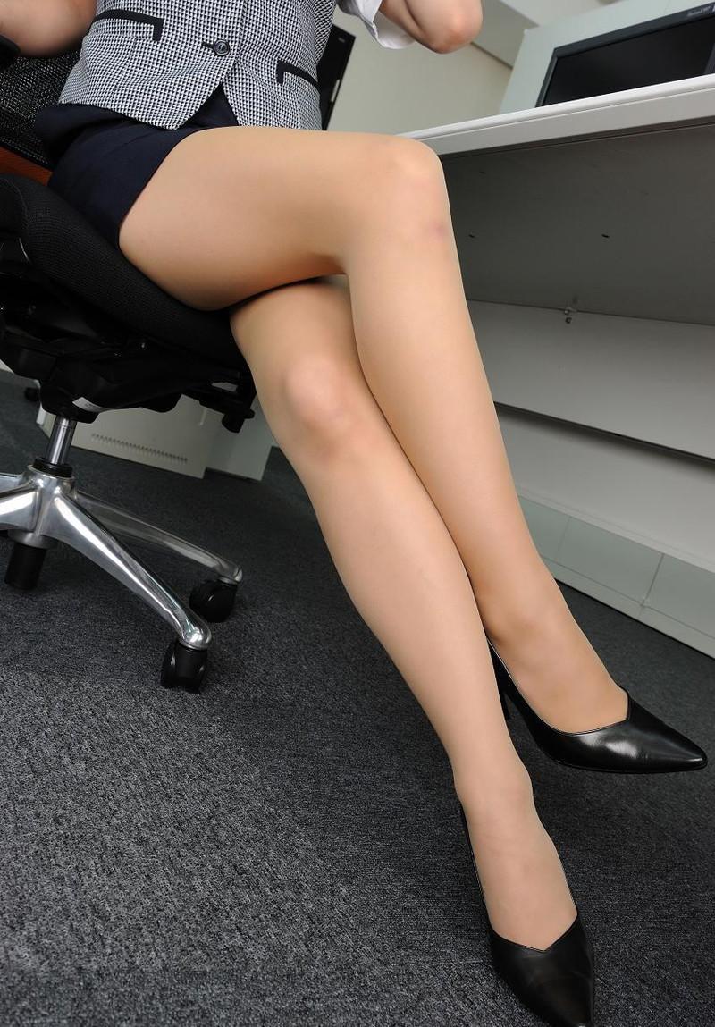 OLの机の下はこうなってたのね!