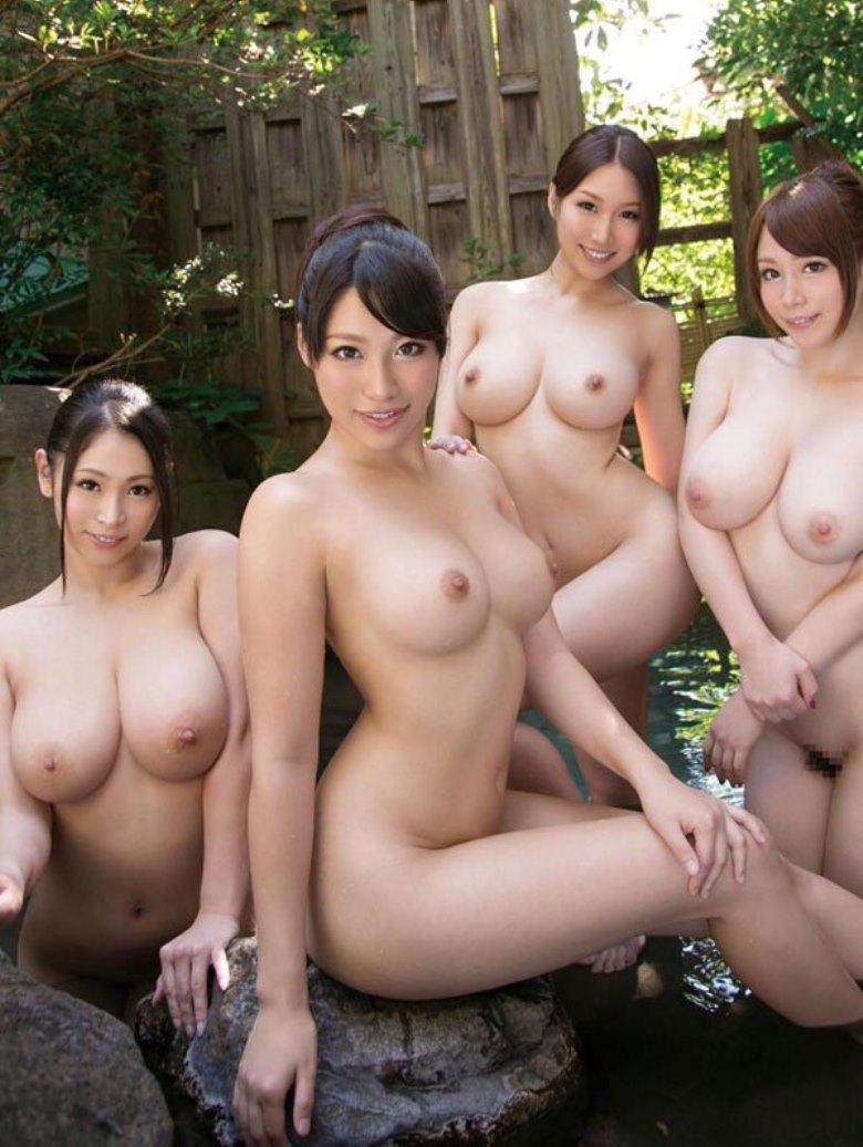 美巨乳な美女達の温泉シーン!