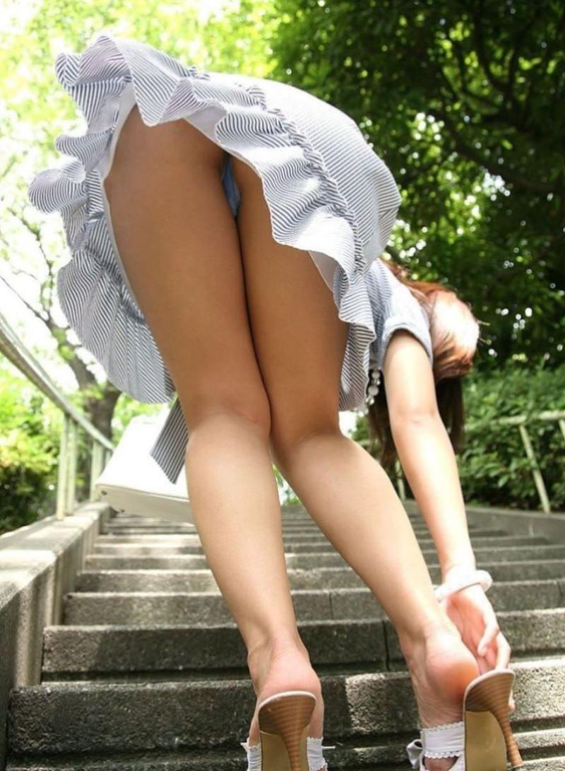 階段で前屈は危険!?
