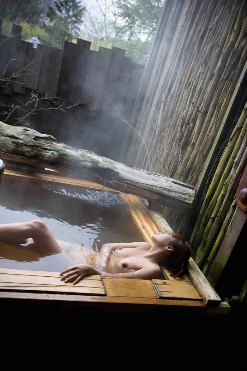 冬の温泉は気持ち良さそうだ!