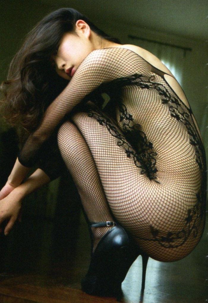 全裸で全身網タイツ着ると…