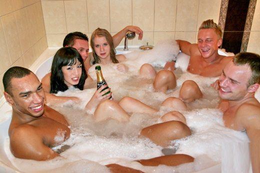 泡風呂も皆んなで入れば楽しい!