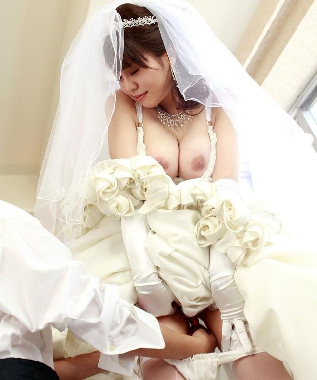 寄せ乳エロい花嫁!