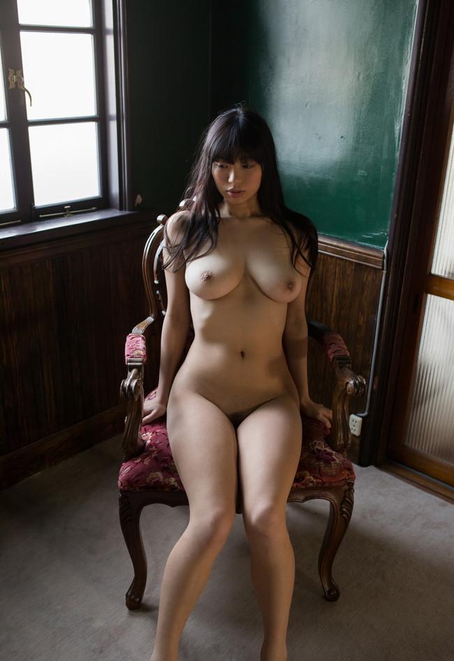 全裸ヌードが雰囲気抜群!