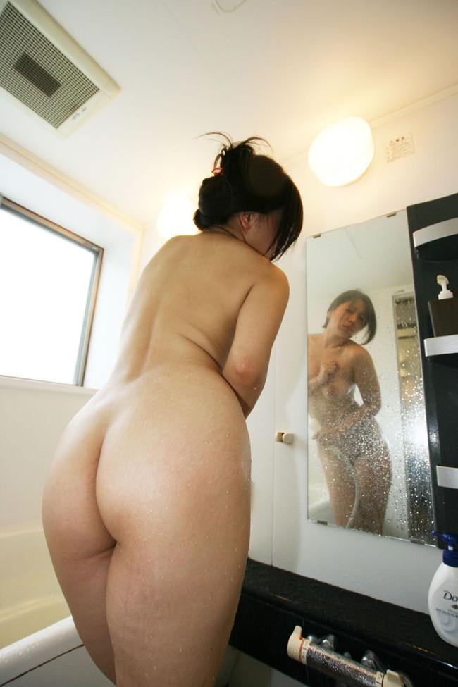 お風呂で見かけたフルヌード!