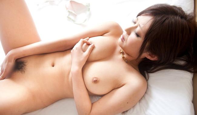 全裸オナニーで巨乳美女が感じてる!