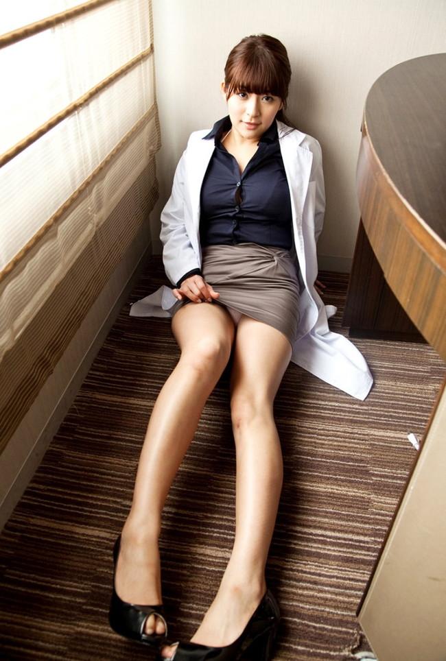 女医さんがヒール履いてる!