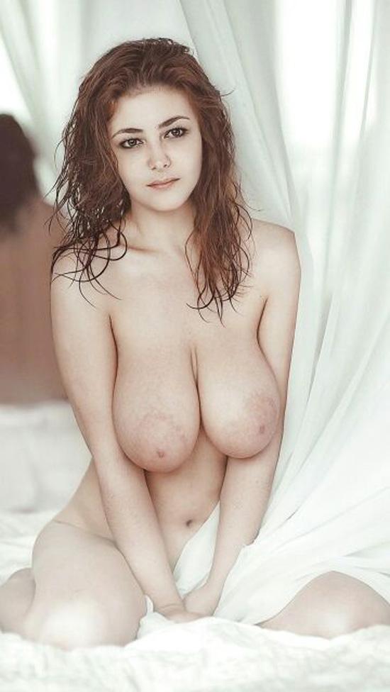爆乳の外国美女!