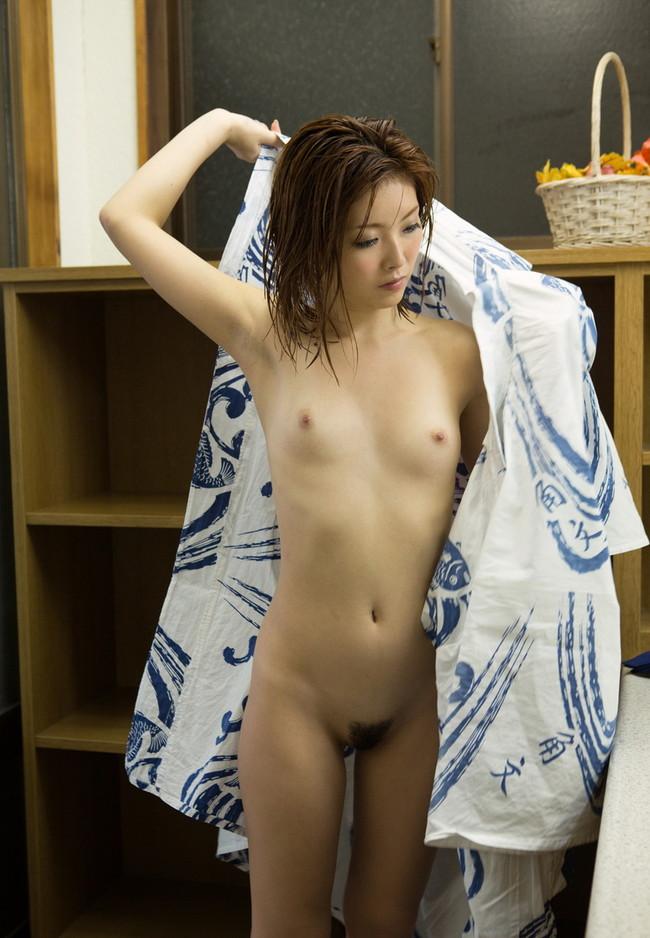 浴衣に着替える瞬間!
