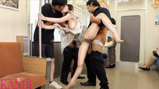 電車で3P!