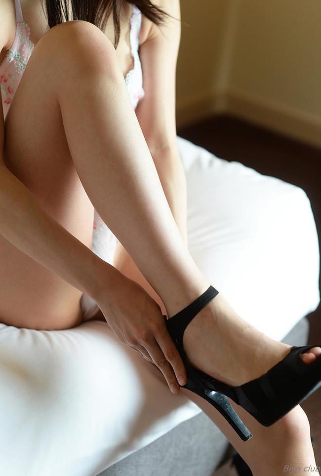 美脚にハイヒールが似合う
