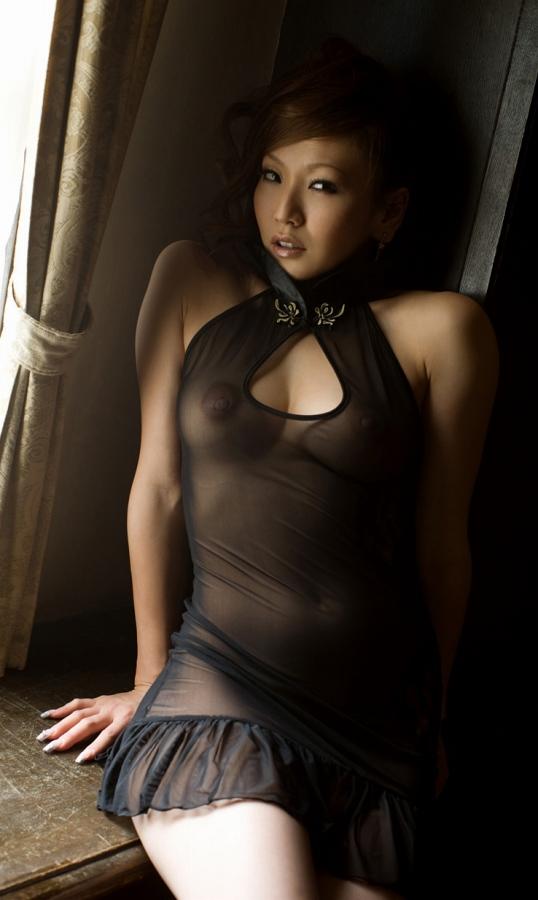 黒のセクシー透けドレス