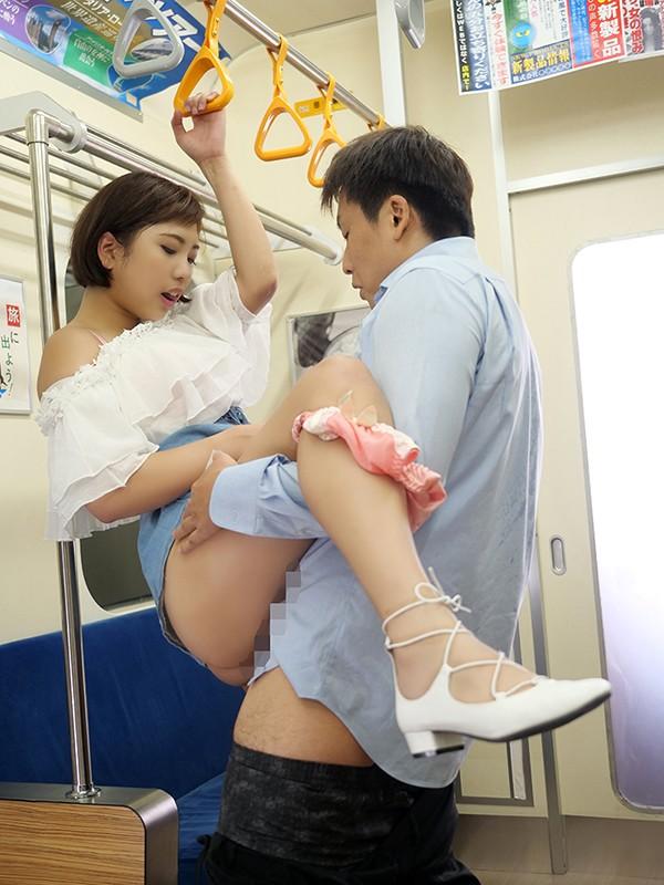 電車で駅弁する痴女