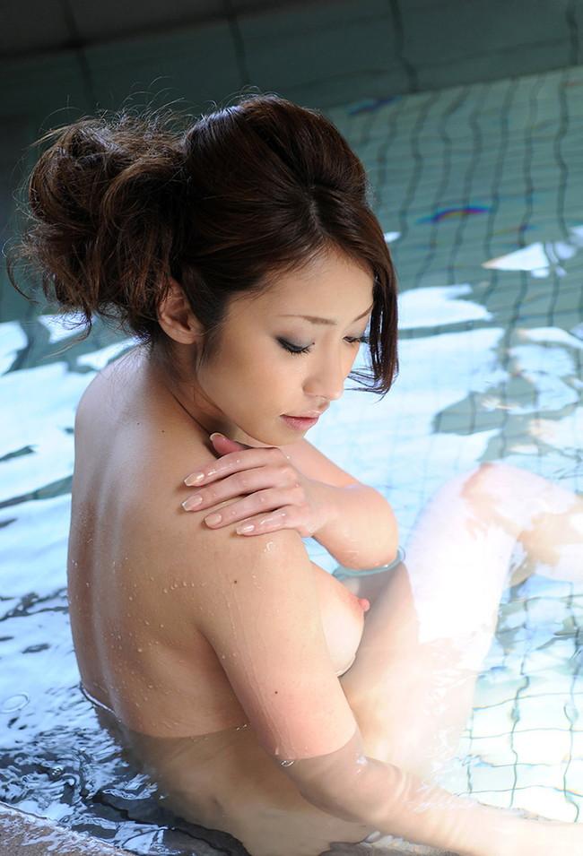 入浴中の艶めかしい雰囲気
